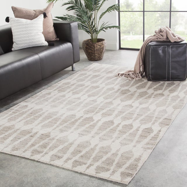 2010s Jaipur Living Sabot Hand-Knotted Geometric Ivory/ Light Gray Area Rug - 7′9″ × 9′9″ For Sale - Image 5 of 6