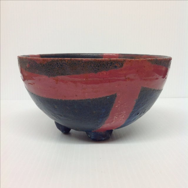 Abstract Studio Pottery Red & Blue Footed Bowl - Image 2 of 5