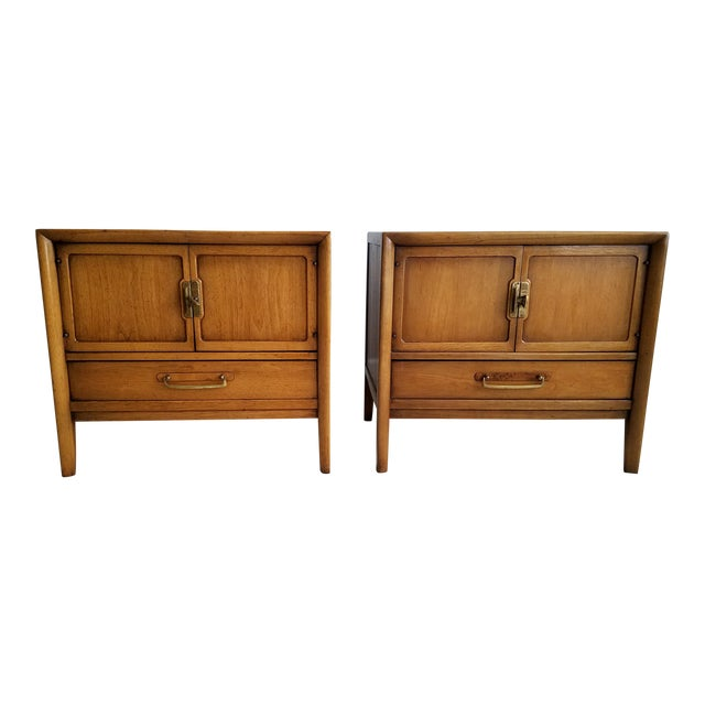 Drexel Meridian Nightstands – A Pair - Image 1 of 11