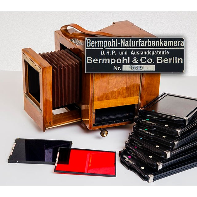 Vintage Bermpohl Naturfarbenkamera. Collectible Wood Camera Excellent condition. This camera takes three filters...Red,...
