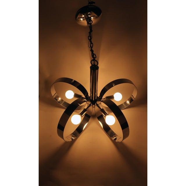 Metal 1960s Mid-Century Modern Chrome Hoop Pendant Lamp For Sale - Image 7 of 11