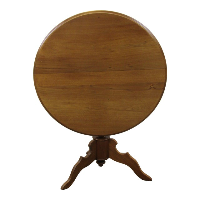 Vintage Mid Century Traditional Round Lift Top Table For Sale