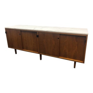 1968 Mid-Century Modern Florence Knoll Designed Calcutta Gold Marble Top Credenza For Sale