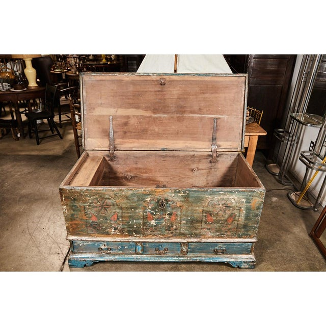Pennsylvania Blanket Box/ Dowry Chest For Sale - Image 4 of 9
