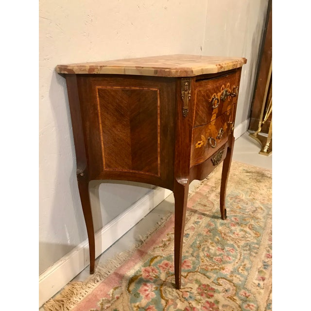 What's not to love about this charming little Louis XVI transitional side table? Simple lines, understated elegance and...