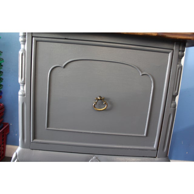 Country French Charcoal Gray Side/End Table - Image 9 of 10