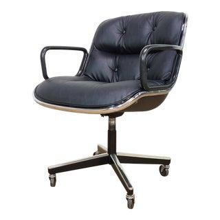 1970s Mid-Century Modern Charles Pollock for Knoll International Executive Armchair For Sale