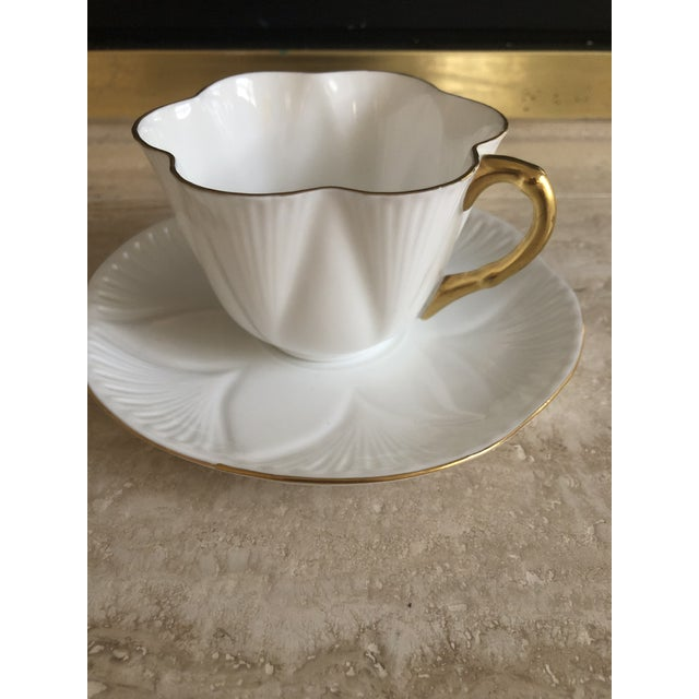 English Richard Ginori and Shelley Regency Plates & Teacup, 4 Pieces For Sale - Image 3 of 6