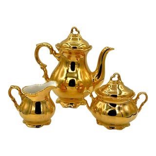 1930s Waldershop Handerbeit 22k Gold Teapot with Creamer and Sugar Bowl - Set of 3 For Sale