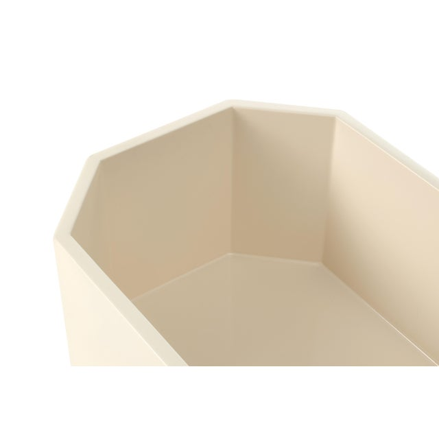 Contemporary Octagonal Napkin Box in Ivory - Miles Redd for The Lacquer Company For Sale - Image 3 of 4