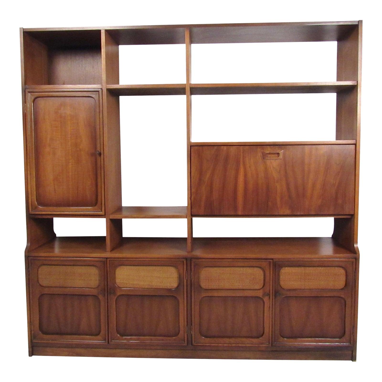 mid century modern american walnut wall unit chairish. Black Bedroom Furniture Sets. Home Design Ideas