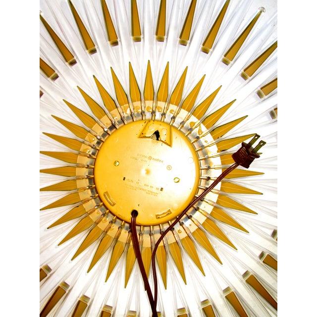 Mid-Century Modern Lucite Starburst Clock - Image 6 of 7