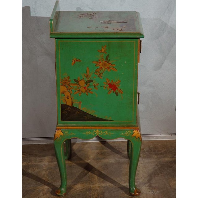 Early 20th Century Chinoiserie Decorated Night Stand For Sale - Image 5 of 7
