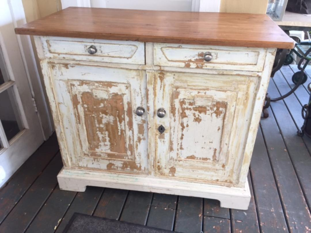 1900s French Style Anthropologie Painted Kitchen Cupboard For Sale   Image  4 Of 4