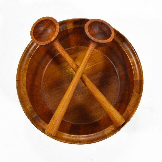 Oversize Staved Teak Bowl & Servers by Richard Nissen For Sale In Chicago - Image 6 of 12