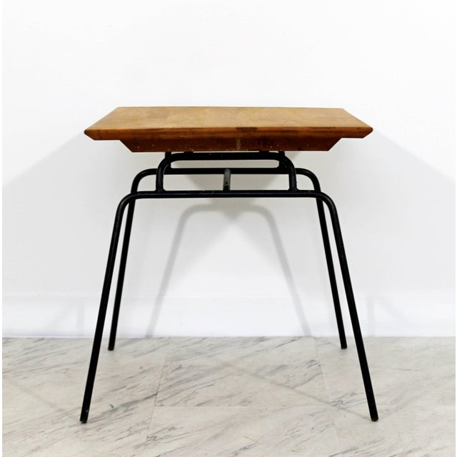 Paul McCobb 1950s Mid-Century Modern McCobb Planner Group Winchendon Maple & Iron End Table For Sale - Image 4 of 7