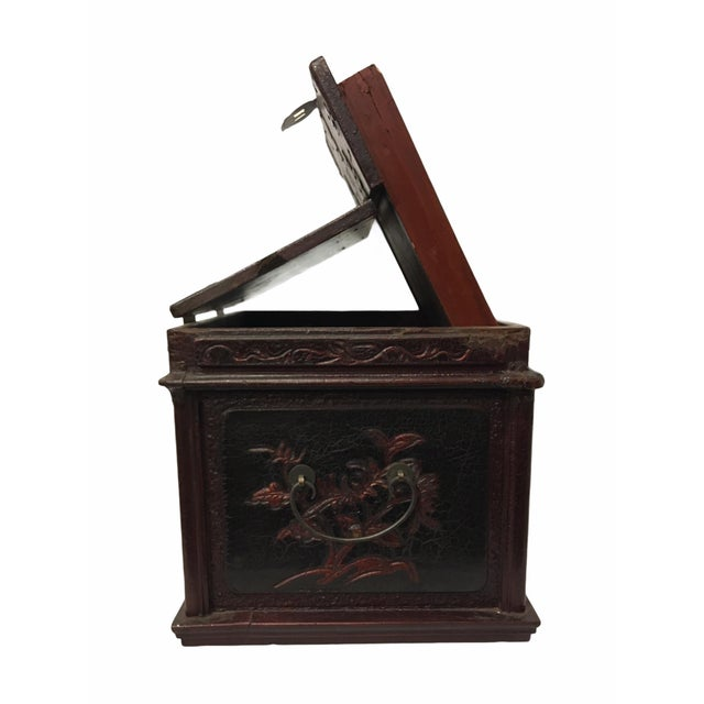 Antique Wooden Chinese Keepsake / Jewelry Box For Sale - Image 9 of 10