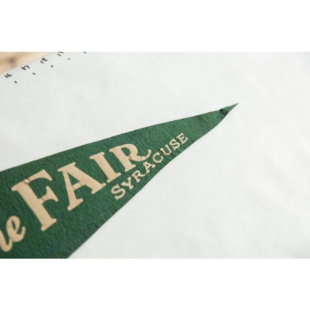 Americana Vintage Souvenir of the Fair Syracuse Felt Flag Pennant For Sale - Image 3 of 5