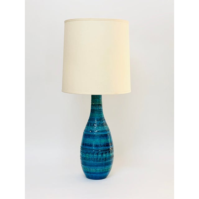 1960s Mid-Century Modern Rimini Blu Ceramic Lamp by Aldo Londi for Bitossi Italy With Shade For Sale - Image 13 of 13