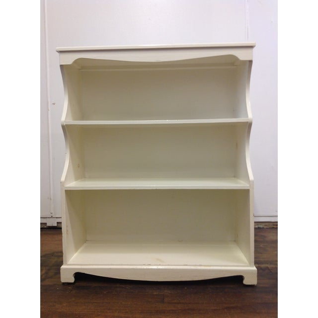 White Painted Pine Bookshelf - Image 9 of 9