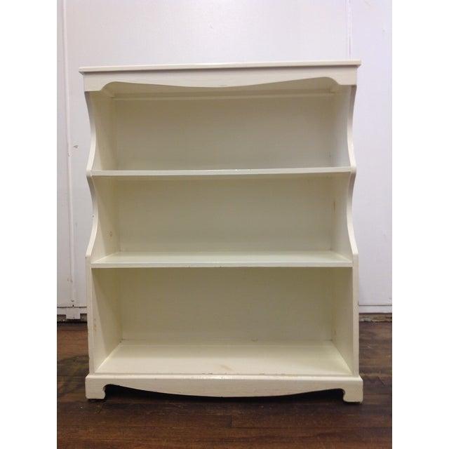 White Painted Pine Bookshelf - Image 9 of 9