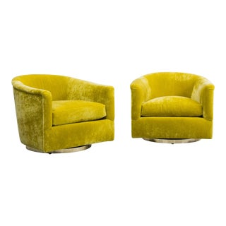 Milo Baughman, Pair of Starfruit Swivel Chairs, USA, 1970s For Sale