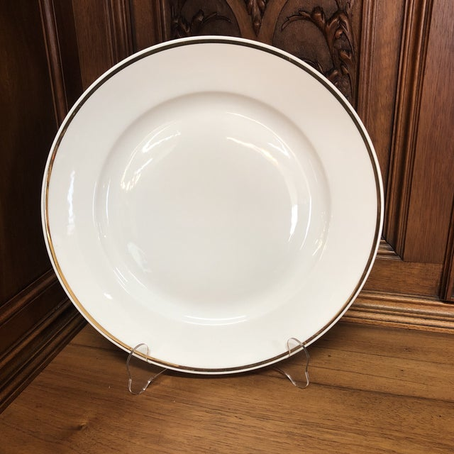 Early 20th Century Single Italian Round Platter / Charger White With Gilt Rim Richard Ginori For Sale - Image 5 of 5