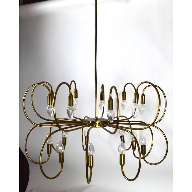 Mid-Century Modern Large Eighteen-Light Brass Chandelier After Sarfatti For Sale - Image 3 of 8