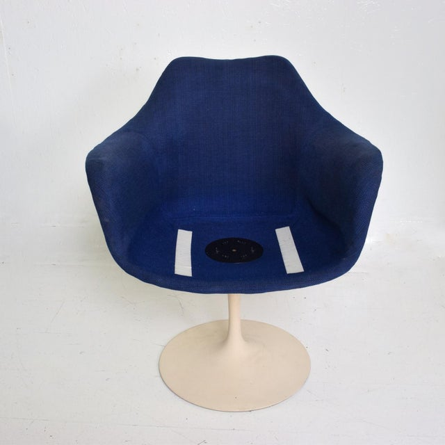Knoll Knoll Tulip Chair 1956 by Eero Saarinen Mid Century Modern For Sale - Image 4 of 10