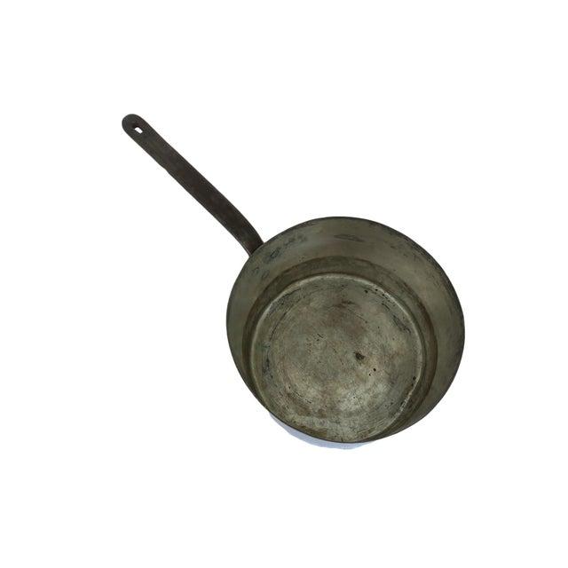 Farmhouse Antique 12 Quart Copper Pot Insert With Long Cast Iron Handle For Sale - Image 3 of 6
