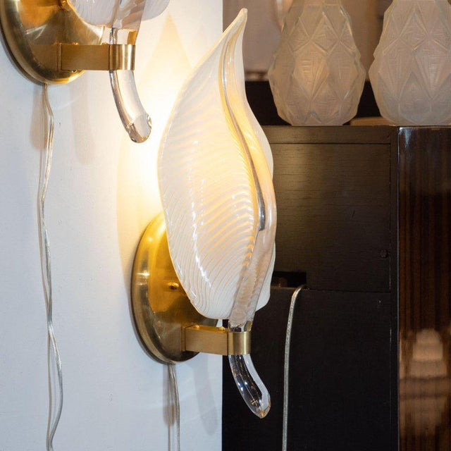 Pair of Handblown Murano Honeycomb Leaf Sconces With Brass Detailing For Sale - Image 4 of 11