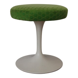 Eero Saarinen for Knoll Mid-Century Tulip Stool With Original Upholstery For Sale