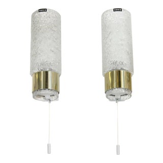 A Pair of Doria Sconces in Textured Glass and Brass For Sale