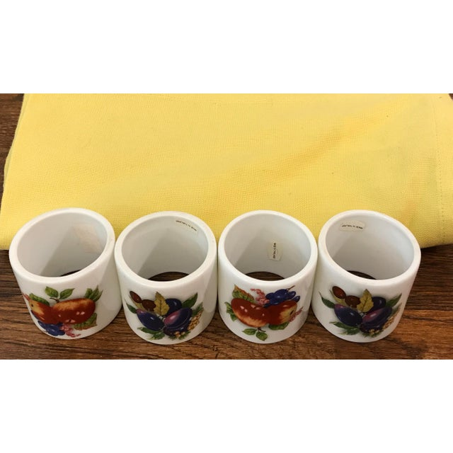 Ceramic Mid-Century Modern Yellow Napkins and Ceramic Fruit Rings - Se of 4 For Sale - Image 7 of 9