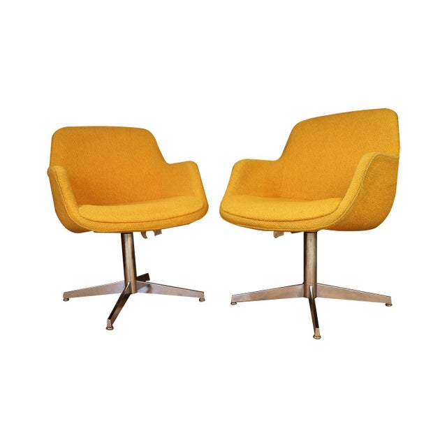 Yellow Gold Pair Mid Century Swivel Barrel Chairs Steelcase For Sale In Baltimore - Image 6 of 9