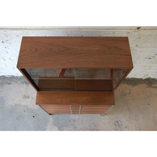 Paul McCobb for Calvin Four-Drawer Chest of Drawers with Glass Front Hutch - Image 5 of 11