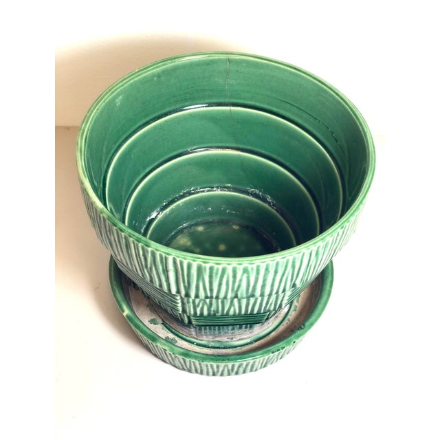 """McCoy Pottery 1940s – 1960s Large"""" Green"""" Mid-Century Flowerpot and Saucer For Sale In Los Angeles - Image 6 of 10"""