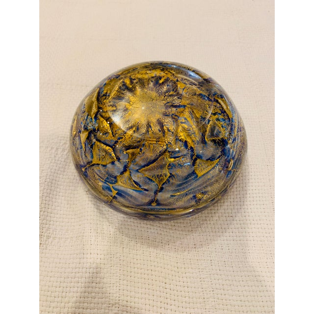 1960s Mid-Century Modern Blue and Gold Swirl Ashtray Bowl For Sale - Image 5 of 8
