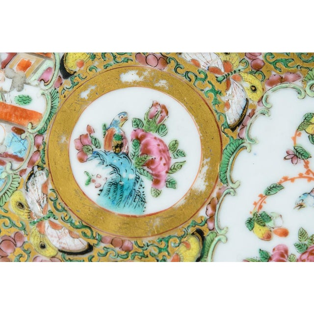 Mid 19th Century Chinese Rose Medallion Floral Box For Sale - Image 5 of 8