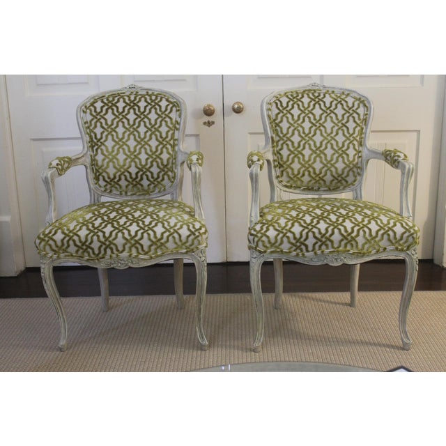 19th Century Louis XV Cream and Green Silk Patterned Bergere Chairs - a Pair For Sale - Image 11 of 11