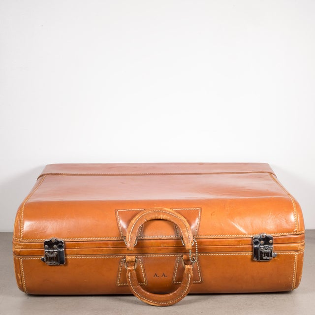 "Metal Vintage ""The Colonel"" Leather Luggage C.1950-1960 For Sale - Image 7 of 13"