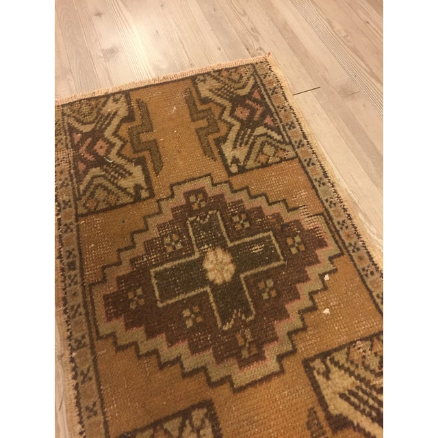 Turkish Anatolian Handwoven Rug - 1′5″ × 2′7″ For Sale - Image 4 of 6
