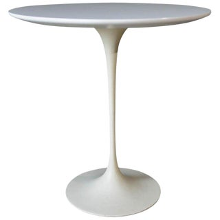 1950s Mid-Century Modern Eero Saarinen for Knoll Tulip Side Table For Sale