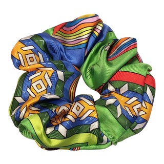 Hermes Handmade Belles Du Mexique Silk Scarf Scrunchie in Green Blue and Yellow. For Sale