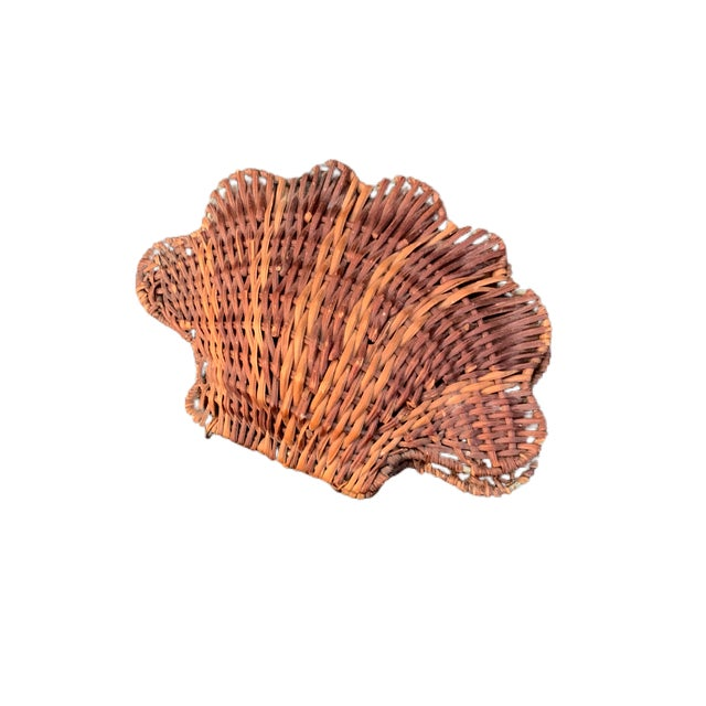 Vintage Rattan Clam Shell Hinged Container For Sale In Charleston - Image 6 of 6