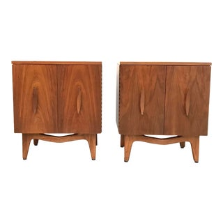 Mid Century Modern Nightstands With Sculpted Wood Handles - a Pair For Sale