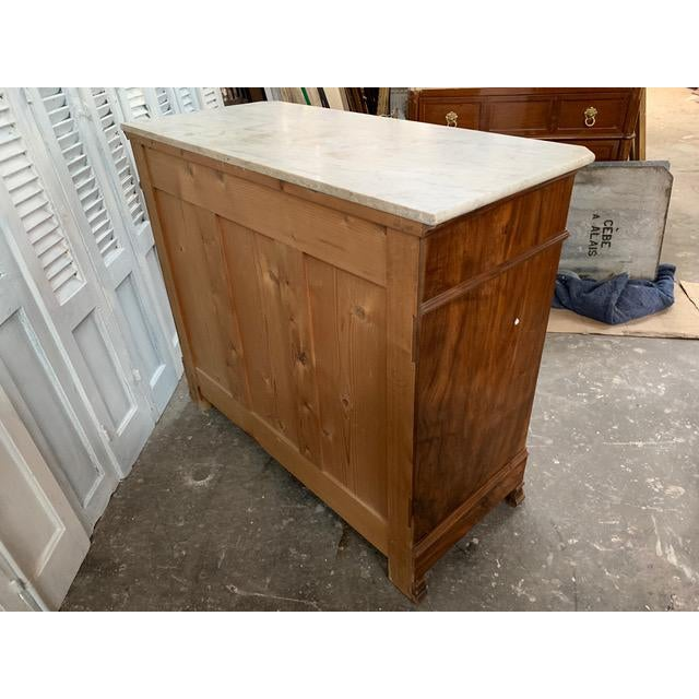 Early 19th Century 19th Century French Louis Philippe Bookmatched Commode With Marble Top For Sale - Image 5 of 12