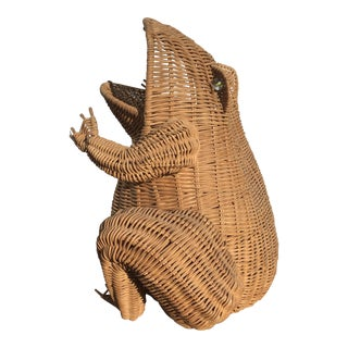 Natural Wicker Frog Basket