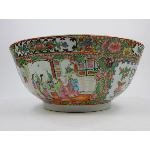 Ceramic Antique Chinese Export Rose Medallion Serving Bowl For Sale - Image 7 of 11