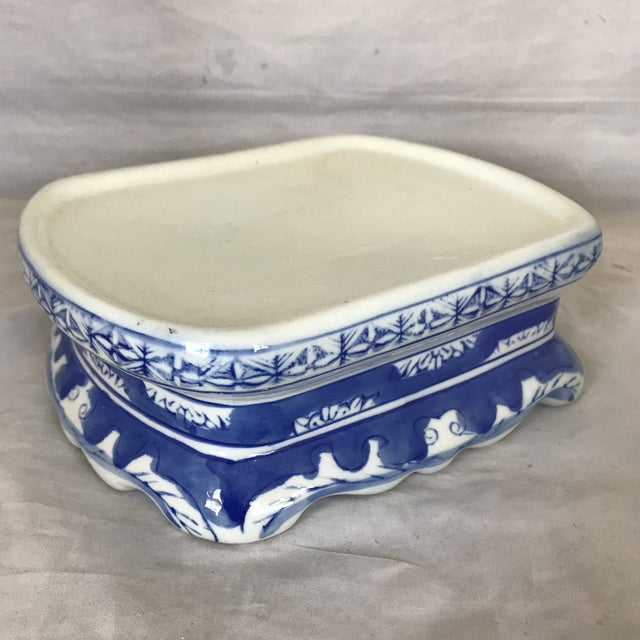 Late 20th Century Blue & White Ceramic Chinoiserie Pedestal Base For Sale - Image 5 of 5
